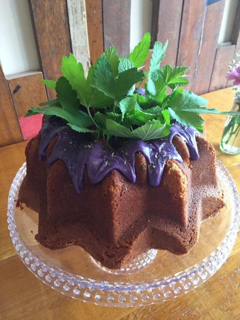 Helena bundt cake