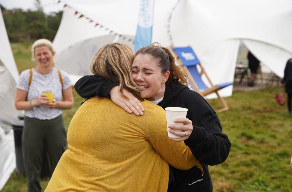CU21 Holly Louisa hug